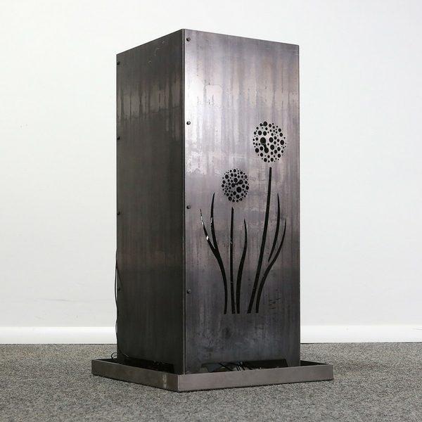 Feuersäule aus Metall Motiv Pusteblume Stahl